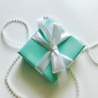 Tiffany-inspired-Tiffany-themed-DIY-craft-Khenri