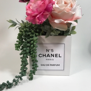 khenri-chanel-flower-box